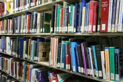 Grande vente de livres à la bibliothèque !